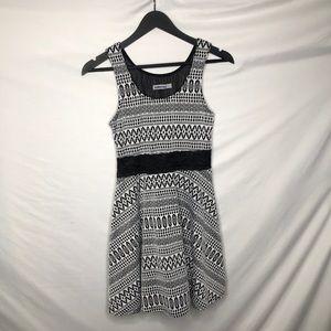 Bailey Blue Dress M black white design lace waist